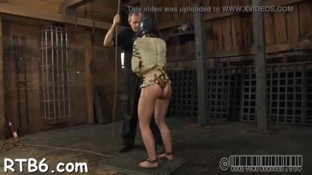 Serf gets her beaver punished from lusty bitch goddess